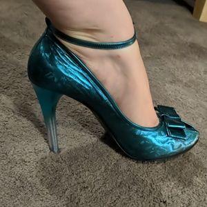 L'Wren Scott turquoise metallic stiletto peep toe